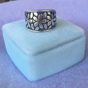 RETIRED design James Avery flower ring